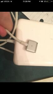 MacBook 60W magnetic charger