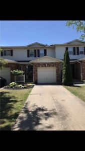 Beautiful Townhome 3 Bedroom 2.5 bath (st catherines)
