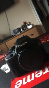 Selling Canon Sl1 Camera in Practically Perfect Condition