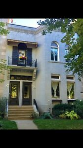 FOR RENT: LUXURY Victorian 7 1/2 upper duplex ! Westmount!
