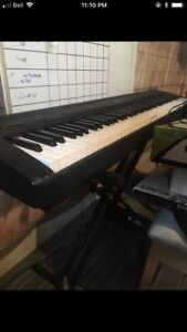 Yamaha P95 electric piano with stand + pedal