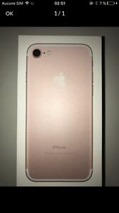 IPHONE 7 PINK 128GB 800$