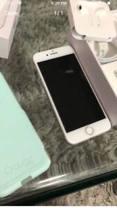 iPhone 8 64gb excellent condition $575