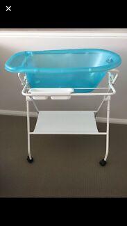 Baby Bath with drain