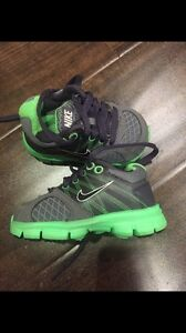 Brand New Infant Size 4 Nike Shoes