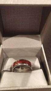 Men's Wood Grain Engagement Ring