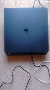 Mint ps4 with box and 1 controller