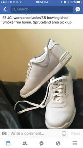 Ladies size 7.5 bowling shoe , worn once