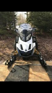 2011 1200 skidoo snowmobile