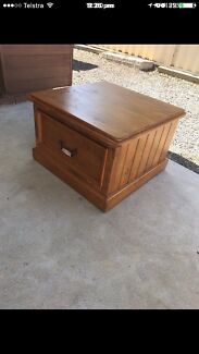 Coffee table in good condition $120
