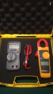 FLUKE 116 True RMS Multimeter and 323 RMS Clamp Meter