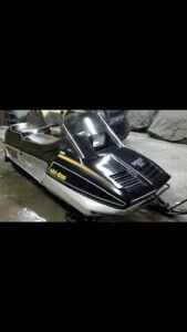 Looking for a skidoo Everest 500 or other 80's skidoo