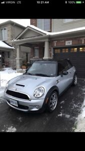 2007 Mini Cooper S  ( needs handyman or mechanic)