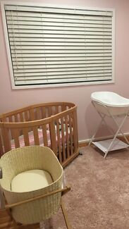 Wynstan Venitian blinds only 2 years old