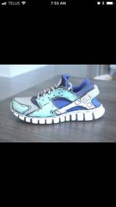 Custom painted Nike Huarache