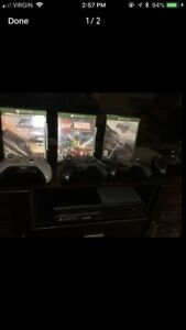 Xbox One 2 controllers 4 games