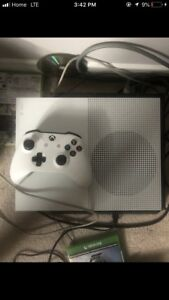 Xbox One S 500GB MINT!
