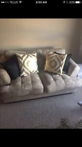 Couch for sale has to go today 75 Obo