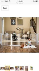 Super wide babe gate/play yard