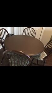 Kitchen table for aale