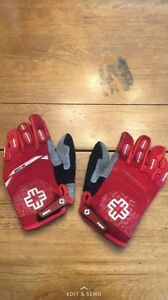 L/XL Youth Motocross Gloves Never Worn.