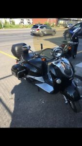 Scooter scooterre Nostalgia 2015 LOW KM 80cc