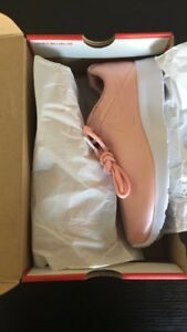 Brand new Women's Nike Shoes size 7