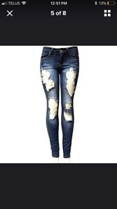 New in package! Women's Ripped Denim skinny jeans