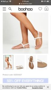 White sandals size 9/40 Windsor Hawkesbury Area Preview