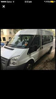 Dec 08 VM Ford Transit 12 Seater