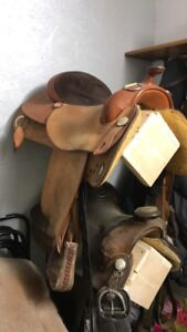 RS Roughout training saddle