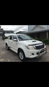 Wanted: Immaculate 2014 Toyota Hilux SR5 AUTOMATIC
