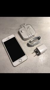 IPHONE 5S 16GB BLANC/OR BELL/VIRGIN COMME NEUF !!!