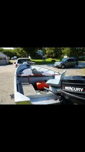 Late 90's Princecraft 15' boat