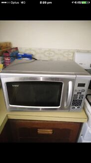 20 litre microwave stainless steel 1200w in excellent condition