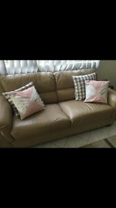Leather lounge couch Kings Cross Inner Sydney Preview