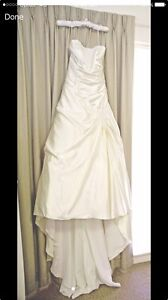 Ivory Wedding Dress - Make and offer Highland Park Gold Coast City Preview