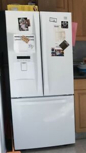 Kenmore French door fridge with bottom freezer