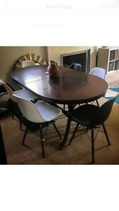 Wanted: Antique extendable dining table - MUST SELL BY 23rd April