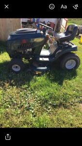 Lawn tractor for sale!!! $400 firm need gone asap!!