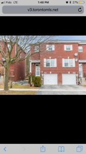 3 Bdrm 3 Bathrm Townhome In Newmarket(Bayview&Mulouk)