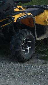 4 28-12-12 itp mudlight tire with can an rims