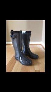 NEW CAPELLI RAIN BOOTS   SIZE 8