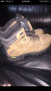 Coleman Extreme Out door Boots Size 13.