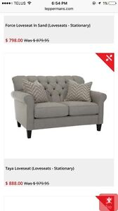 Immaculate matching Loveseat and Sofa! Stunning condition!