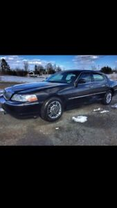 2009 Lincoln Town Car, mint, new winter tires/rims ($900)