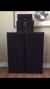 Technics surround sound Speakers in mint condition!