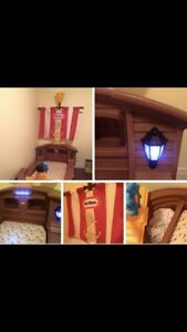 Jake and The Neverland Pirate's toddler Bed