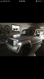 2009 JEEP LIBERTY REMOTE STARTER 4WD WINTER TIRES