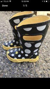 Size 7 bogs rain boots
